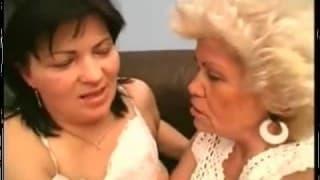 Eine sehr haarige Großmutter