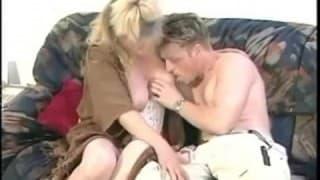 Hungriges Paar hat heißen Sex
