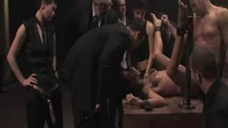 Extremer Sex mit mehreren Zuschauern