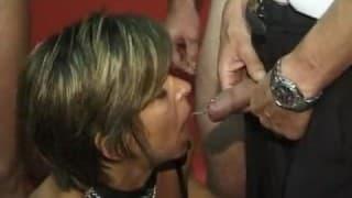 Reife Frauen in einem Swingerclub