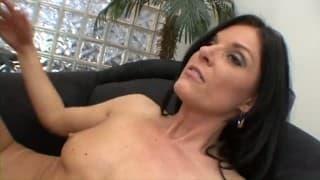 Reife Lesben lecken die pinke Klitoris