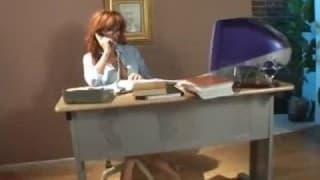 Eine riesige Ladung Sperma für Sekretärin