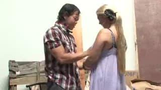 BUMSEN im LAGERHAUS - Blonde hat Palettensex