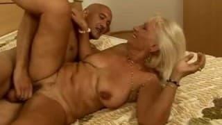 Ein altes Paar hat reifen Sex