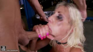 BRUTALER Bondage-Sex mit einer Blondine