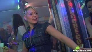 Große Orgie im Nachtclub!