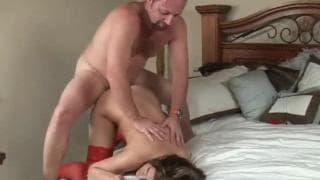 Austin Kincaid trägt erotische Reizwäsche