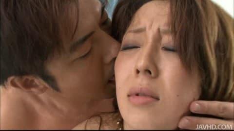 Азиатскую мамочку дерут в волосатую киску крупным планом  545238