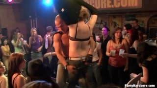 Wir tanzen und wir ficken