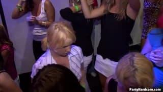 Die Schlampen im Nachtclub