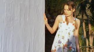 Ivana masturbiert an der frischen Luft