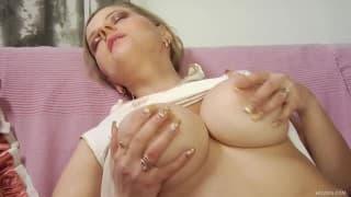 Marina- Reife Frau mit dicken Titten