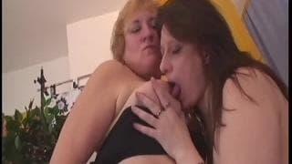 Frauen masturbieren hitzig