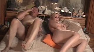 Meghan Edison - Pornoszene mit reifem Mann