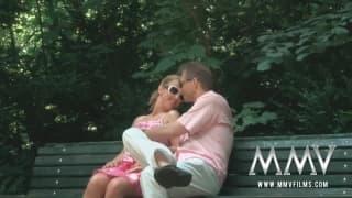 MMVFilms- Exhibiotionistische Blondine gefickt