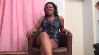 Fiona - Eine reife Latina im ersten Pornofilm
