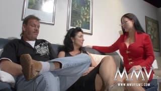 Eine Sex-Therapeutin hilft einem alten Paar