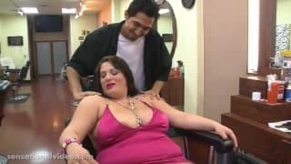 Brandy Ryder liebt es wenn ihr Fett wackelt