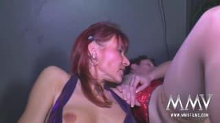 Drei heiße alte Frauen masturbieren gerne