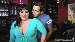 Jade Rose ist eine sexy BBW die gefickt wird