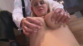 Mandy Dee will heute penetriert werden