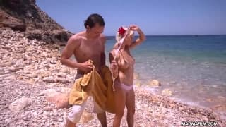 Mia Magma genießt den Sex im Urlaub