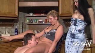 Meli Deluxe fickt mit ihrem Mann