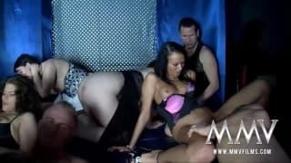 Eine große Orgie mit dicker Fickerei