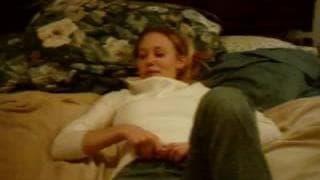 Sie fickt ihren Freund in roter Unterwäsche