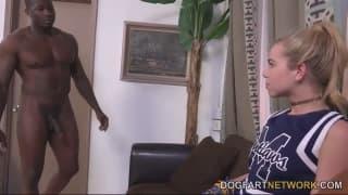 Alina West kriegt schwarzen Schwanz anal