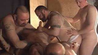 Schwuler Gruppensex unter Bären