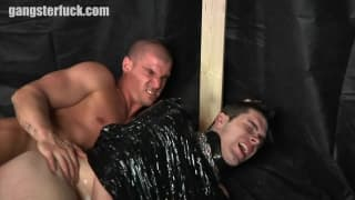 Schwule Typen haben Freuden durch Schmerz