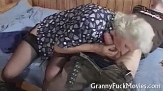 Oma steht auf diese Penetration