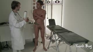 Der Arzt hat heute eine sexuelle Visite
