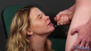 Ein Cumshot in ihr Gesicht in Full HD!