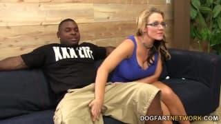 Nikki Sexx hat Sperma auf der Muschi