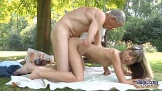 Gina Gerson macht diesen alten Mann glücklich