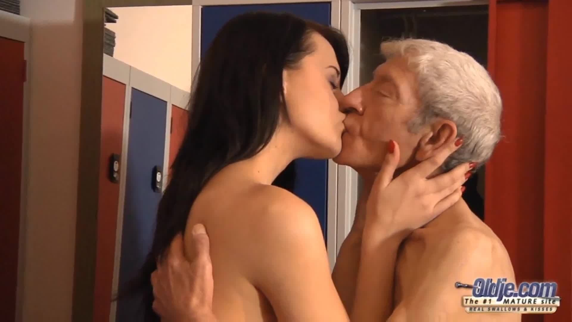 Austria Gay Porn casting-porno zu einem unerfahrenen rotschopf