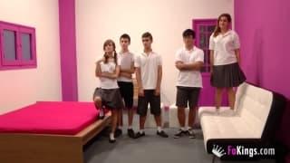 Eine Orgie mit sexuell frustrierten Studenten!