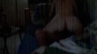 Sie reitet seinen Schwanz vor der Kamera