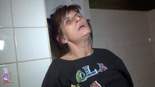 Eine reife Frau namens Vlasta masturbiert