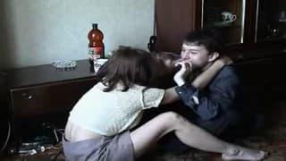 Ein russisches Mädchen fickt ihren Freund