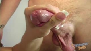 Sammie Spades benutzt gerne ihre Hände