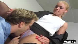 Ein heißer Fick im Büro für Heidi Mayne