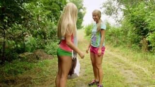Cayla Lyons hat Spaß mit Whitney Conroy!