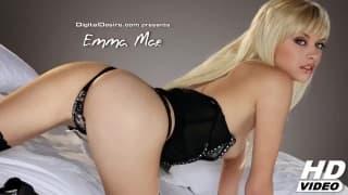 Emma Mae ist so süß bei der Masturbation