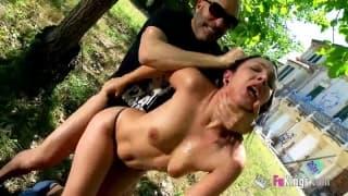 Die spanische Pamela beim Sex draußen