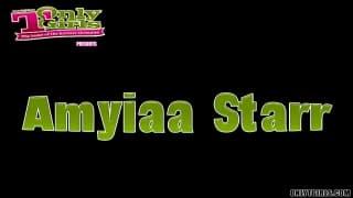 Amyiaa Starr hat dicke Titten & eine Erektion