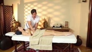 Karlie Montana mit der Massage von Eric