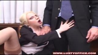 Marilyn hat viel Spaß mit ihrem Boss
